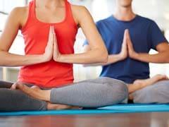 किसी हेल्थ इंश्योरेंस से कम नहीं है योग, स्वास्थ्य को होते हैं ये 10 फायदे...