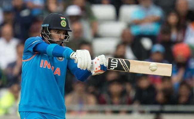 INDvsPAK : भारतीय बल्लेबाजों ने मचाया कुछ ऐसा धमाल कि पाकिस्तानी फील्डरों की बिगड़ गई चाल