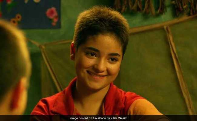 'दंगल' की अभिनेत्री जायरा वसीम की कार का हुआ एक्सीडेंट, बाल-बाल बचीं