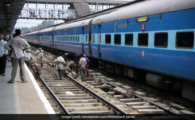 1 जुलाई से रेलवे मे नहीं हुआ कोई बदलाव, पढ़ें 10 बिंदुओं में रेलवे का बयान
