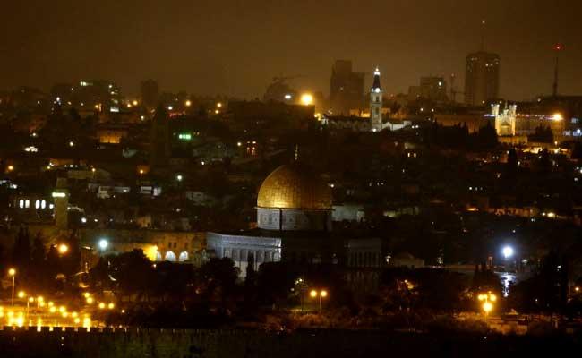50 साल से कम उम्र के लोगों को इस्रायल के पवित्र स्थल में आज नमाज की इजाजत नहीं