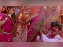 <i>Toilet: Ek Prem Katha</i>'s <i>Gori Tu Latth Maar</i>: Akshay Kumar, Bhumi Pednekar's Song Is Colourful Yet Sad