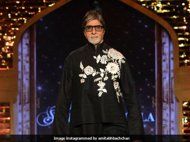 Amitabh Bachchan's Facebook Ordeal Continues, Complains On Twitter