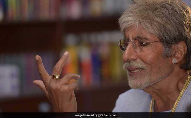 फेसबुक से नाराज अमिताभ बच्चन ने लिखा, 'तू क्यों नहीं खुलता मेरे लिए, डालना है कुछ बातें...'