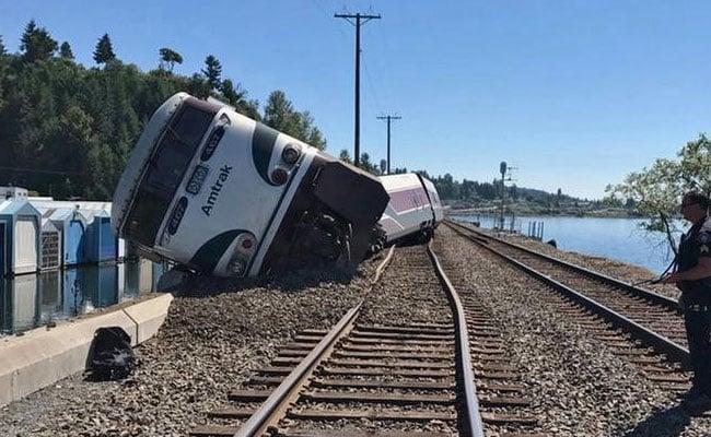 वाशिंगटन में पटरी से उतरे ट्रेन के डिब्बे, लोगों को आई हल्की चोटें
