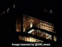 दिग्गज उद्योगपति मुकेश अंबानी की आलीशान इमारत एंटीलिया में लगी आग