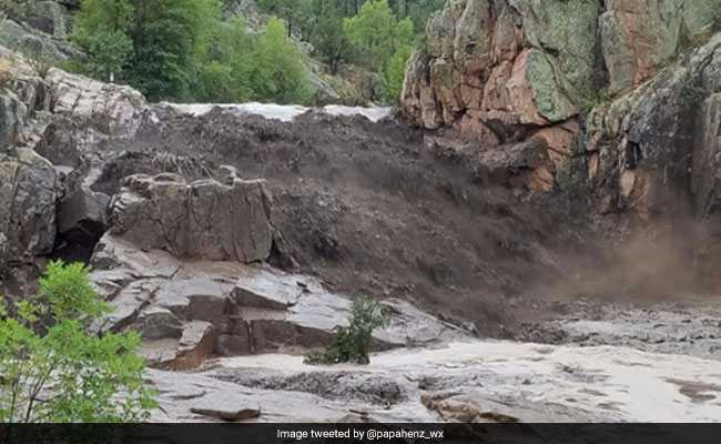 At Least 9 Killed By Flash Flooding In Arizona, 1 Missing