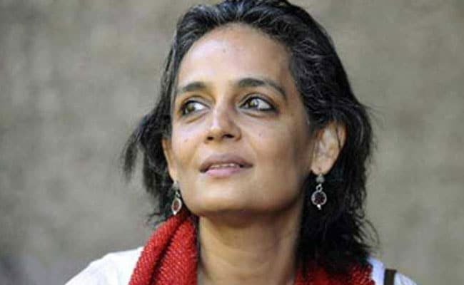 Supreme Court Stays Criminal Contempt Proceedings Against Arundhati Roy