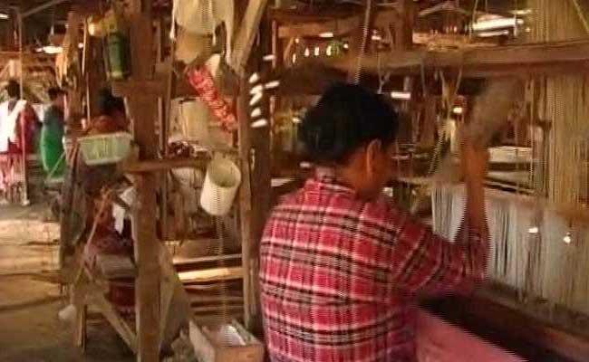 दिवाली पर भारी जीएसटी : कपड़ा व्यवसाय में हो रहा भारी नुकसान