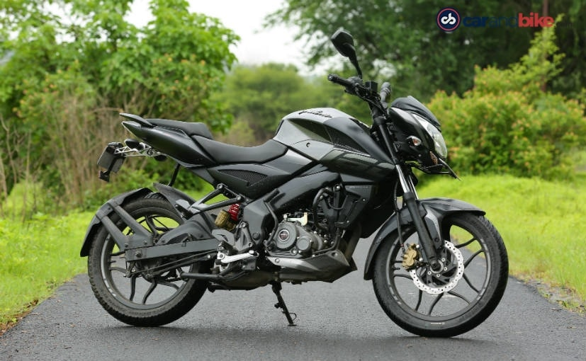 There is only one variant of the BS6 Pulsar NS160 on sale, the twin disc model