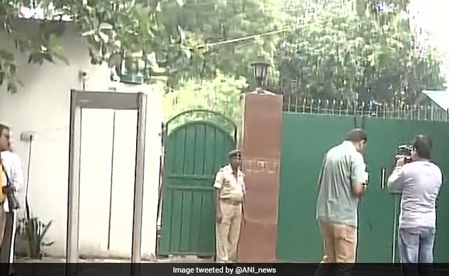 cbi at lalu yadav home