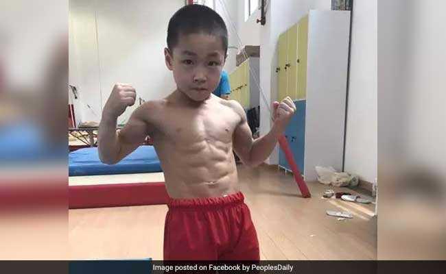 7 साल के इस बच्चे के 'एट पैक ऐब्स' देख बड़े-बड़े बॉडी बिल्डर्स रह जाएंगे दंग...