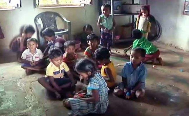 छत्तीसगढ़ के बस्तर में एक गांव को गोद लेकर भूल गये राहुल गांधी