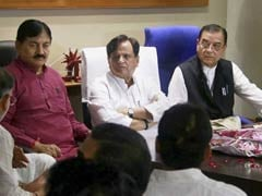 6 Gujarat Lawmakers Exit Congress In 24 Hours. Target: Ahmed Patel
