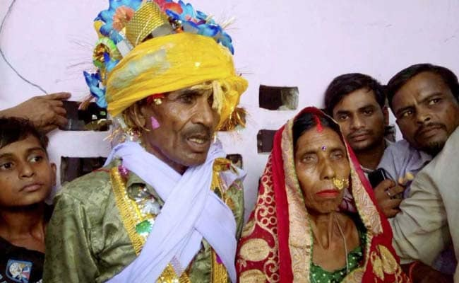 Couple, Living In For 3 Decades, Marry In Their 70s. Here's Why
