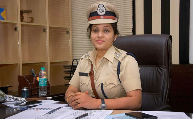Karnataka Cop D Roopa, Senior Transferred Amid Row Over 'Jail Perks' For VK Sasikala