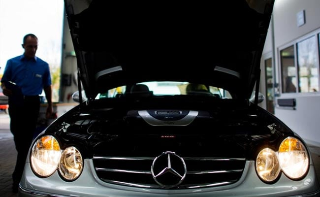 Daimler recalls 3 million Mercedes cars over diesel emissions