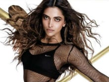 Deepika Padukone Just Can't Help Being Fabulous. Pics Inside