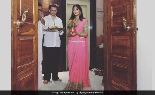 19 साल की टीवी एक्ट्रेस दिगांगना सूर्यवंशी ने मुंबई में खरीदा अपना घर, शेयर की गृह प्रवेश की तस्वीरें