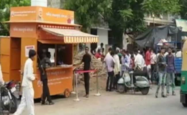 Gujarat Construction Workers To Get Meal At Rs 10. Conditions Apply
