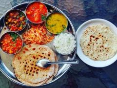 Diwali 2017: Delicious Diwali Food Menu for a Memorable Lunch and Dinner Party