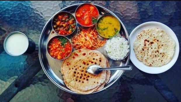 Kathiyawadi Thali: More Than Just A Spicy Cousin of The Gujarati Thali