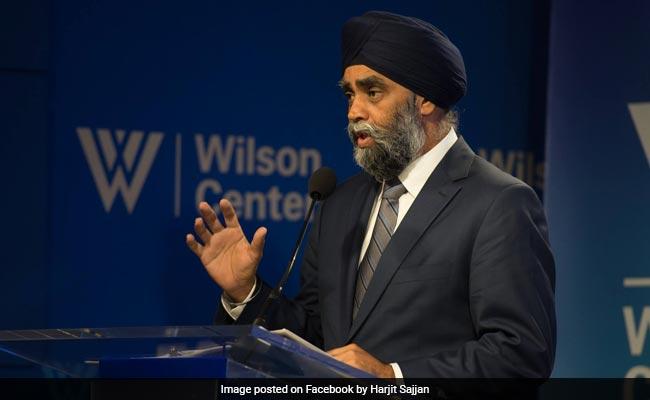 VIDEO VIRAL : कनाडा के रक्षा मंत्री ने आखिर ऐसा क्या किया जिससे झेलनी पड़ी शर्मिंदगी ?