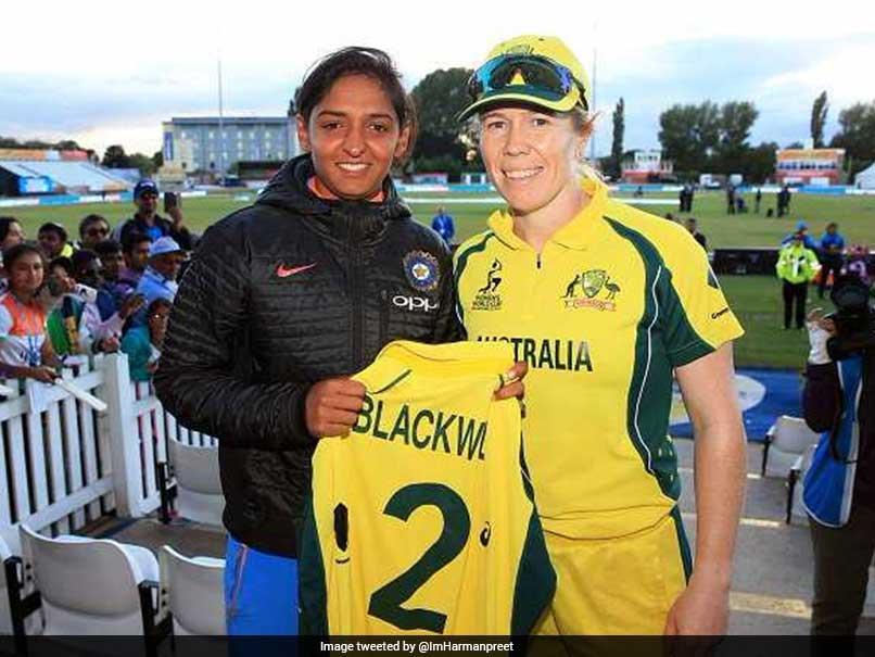 Australia's Alex Blackwell Presents Her T-Shirt To Harmanpreet Kaur After India's Resounding Win