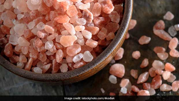 5 Benefits of Starting Your Day With Himalayan Salt Water