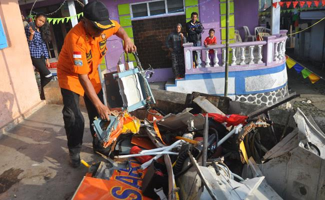8 Rescuers Killed In Indonesian Helicopter Crash