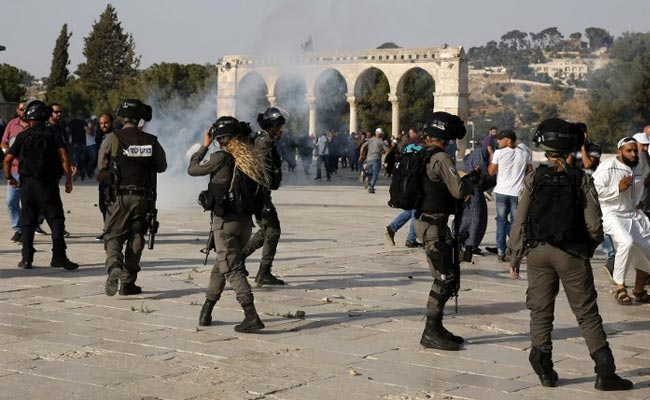 Clashes As Palestinians End Boycott Of Jerusalem Holy Site