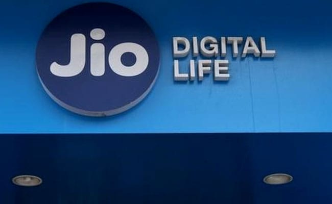 Jio Offers New Prepaid Recharge Plan With 2GB Daily Data At 299, Unlimited Talktime