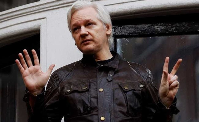 Ecuador Cuts Off Julian Assange's Outside Communication. Here's Why