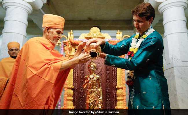 Justin Trudeau Wears Kurta, Performs Puja At Mandir In Canada. See Pics