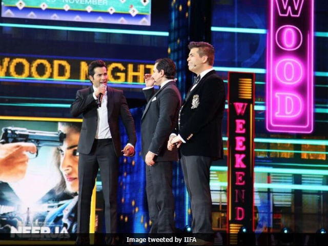 IIFA Awards 2017: 'Nepotism Rocks,' Chant KJo, Saif And Varun Dhawan