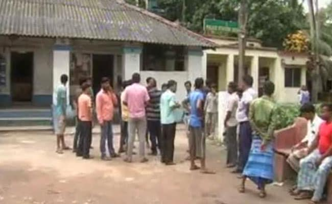 पश्चिम बंगाल : साम्प्रदायिक झड़प के बाद बदुरिया में स्थिति तनावपूर्ण