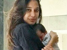 Lisa Haydon Shares New Picture Of Son Zack Lalvani. He Is Adorable