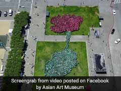 Lotus Blooms: 2,405 People Set Record For World's 'Largest Human Flower'