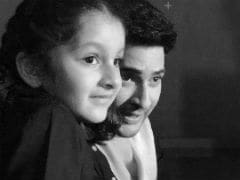 Mahesh Babu's Special Day On <i>Spyder</i> Sets With Namrata Shirodkar And Daughter