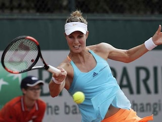 Mandy Minella Plays Wimbledon While 4.5 Months Pregnant