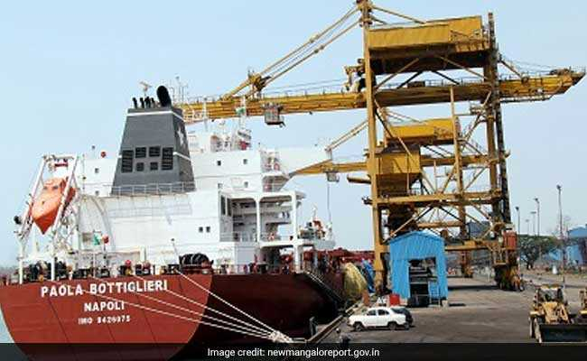 Patient successfully evacuated at the Mangaluru port using a port craft
