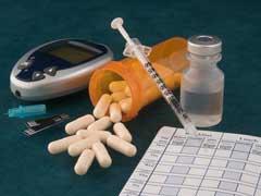 AIIMS के मनीष को देश में सबसे पहले लगा टीका, Delhi-NCR में इन हस्तियों ने ली वैक्सीन