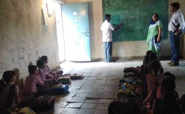 इन स्कूलों के बच्चे बीच में ही छोड़ देते हैं पढ़ाई...