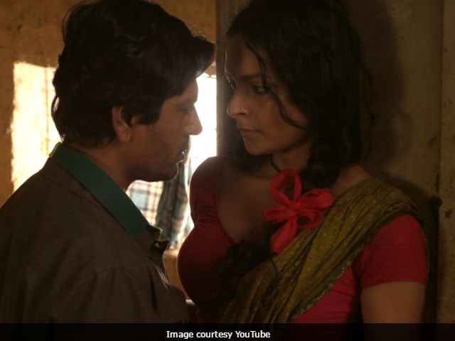 Babumoshai Bandookbaaz Song Barfani: Nawazuddin Siddiqui, Bidita Bag Turn Up The Heat