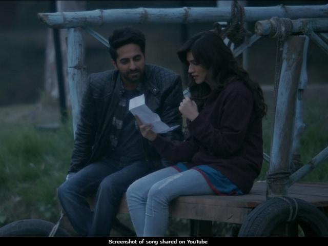 Bareilly Ki Barfi Song Nazm Nazm: Ayushmann Khurrana, Kriti Sanon's Romance In Love Letters
