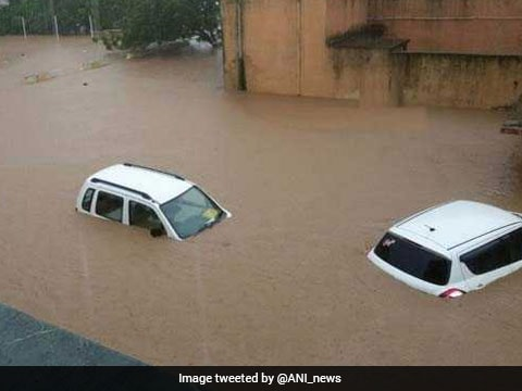 25,000 evacuated to safety across Gujarat following severe rains, Delhi-Ahmedabad traffic hit, more rescue workers sent in