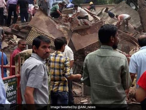 Update: Four dead, many feared trapped after residential building collapses in Mumbai\'s Ghatkopar