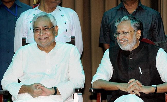 नीतीश की अगुवाई में एनडीए सरकार ने किया पहला बड़ा प्रशासनिक फेरबदल