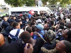 2,500 Migrants Shifted By Paris Police