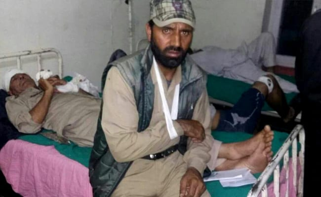 J&K cops beaten up by soldiers in civvies